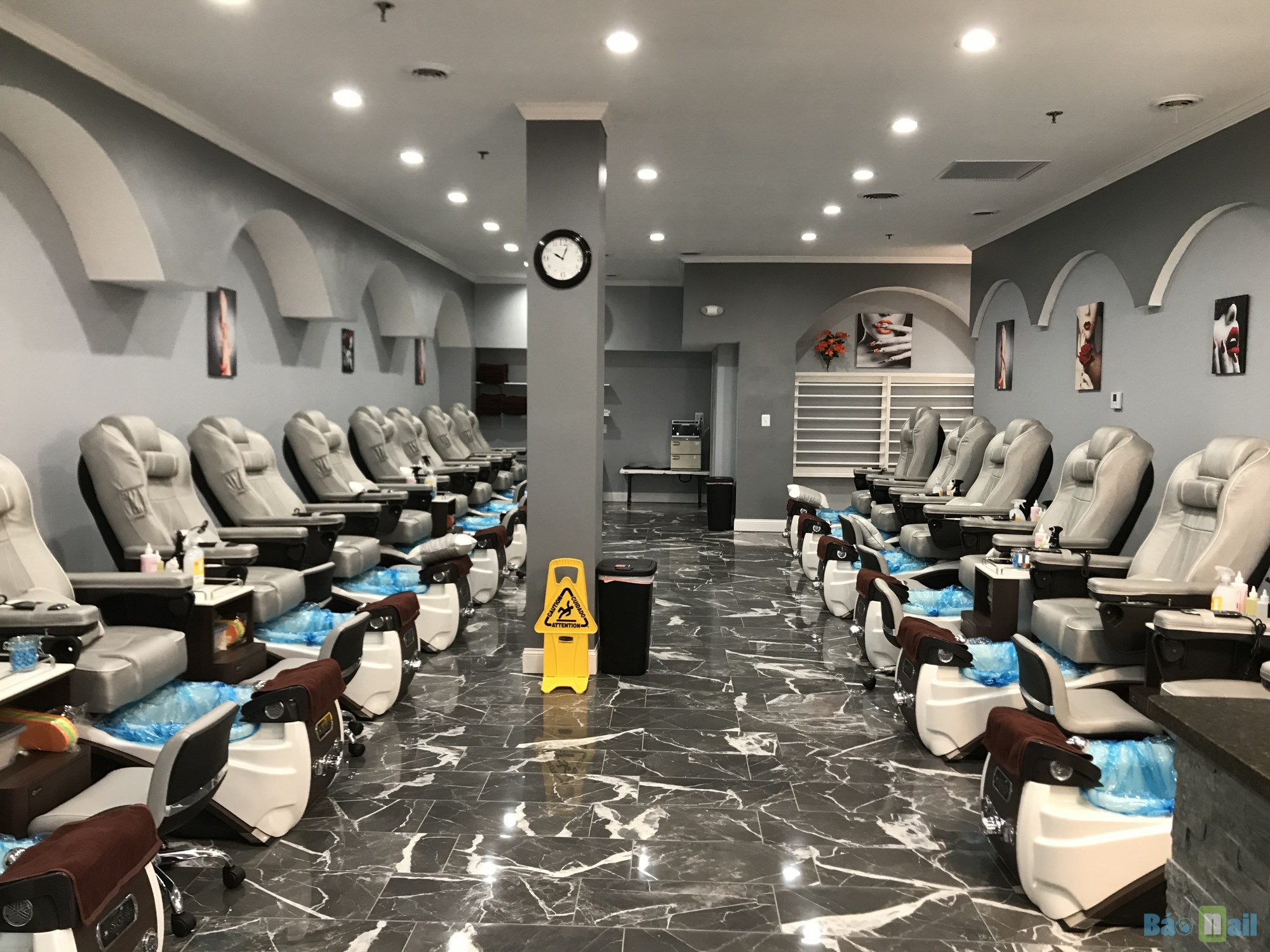 Aj Nails & Spa, Mentor OH   New New New Cần nhiều thợ nails